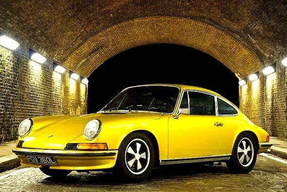 Porsche 911 2.4E