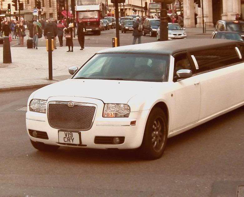Chrysler 300C Limo